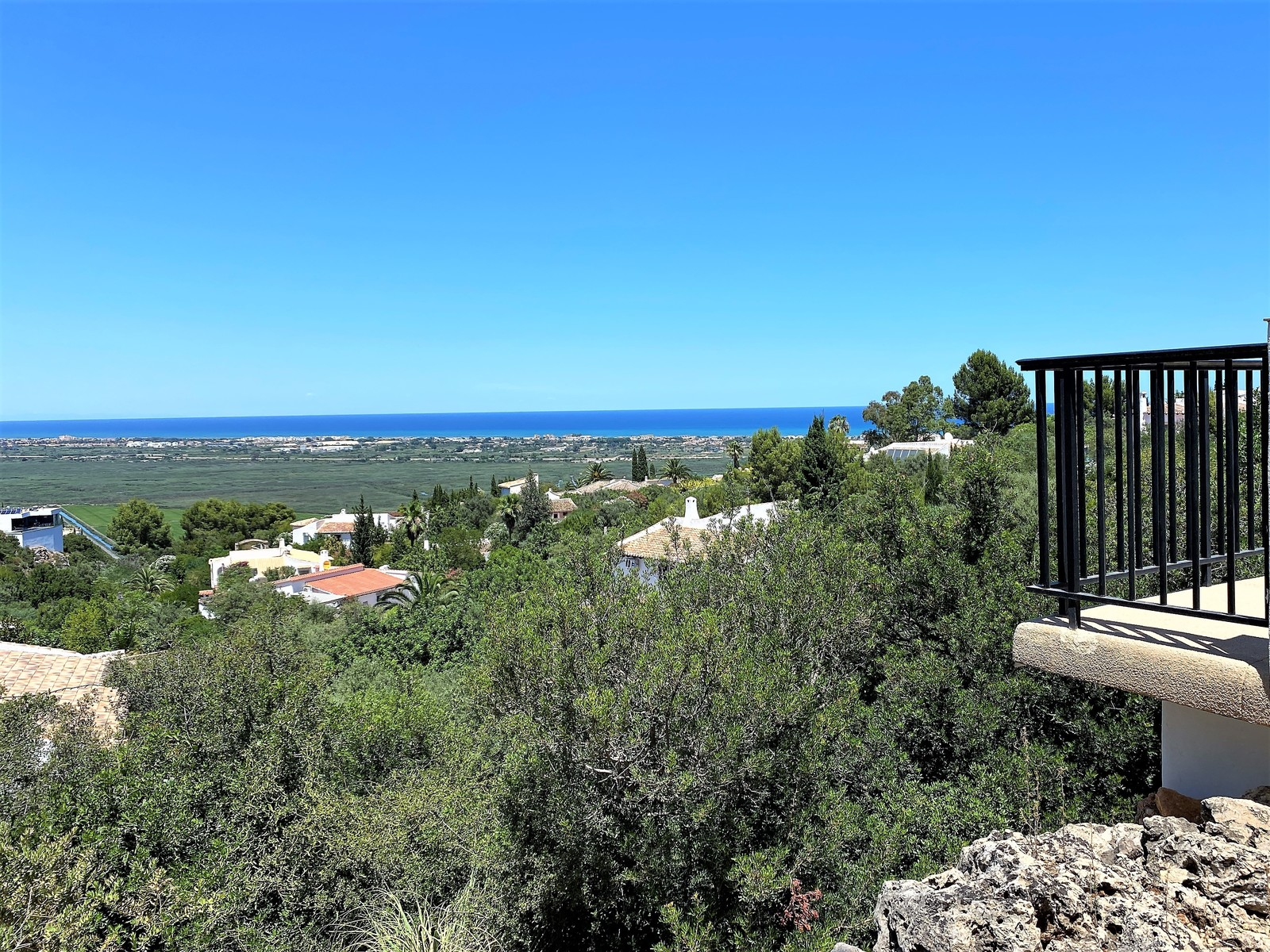 Charming villa at Monte Pego with impressive perspective of the sea